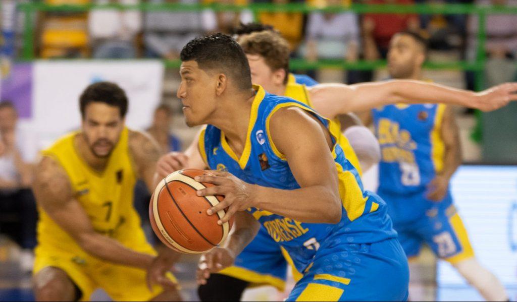 Jhornan Zamora (foto: clubourensebaloncesto.com)