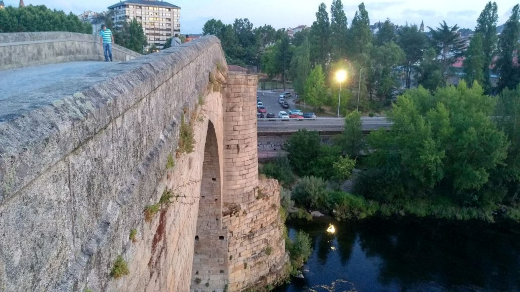 Lateral del Puente Romano